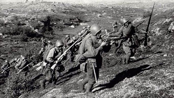 Итоговое сочинение: В чем заключается подвиг простого русского солдата?